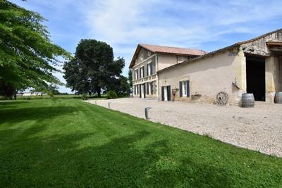 Maison à vendre à ST ANTOINE DE BREUILH  - 9 pièces - 300 m²