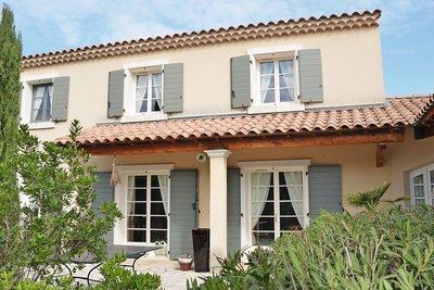Maison à vendre à EYGALIÈRES  - 6 pièces - 218 m²