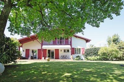 - 6 rooms - 190 m²