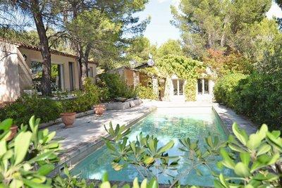 Maison à vendre à CABRIÈRES D'AVIGNON  - 5 pièces - 200 m²