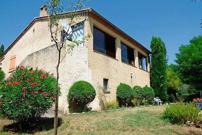 Maison à vendre à GRIGNAN  - 7 pièces - 298 m²