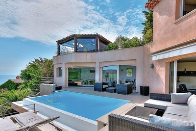 House for sale in THÉOULE-SUR-MER  - 6 rooms - 320 m²