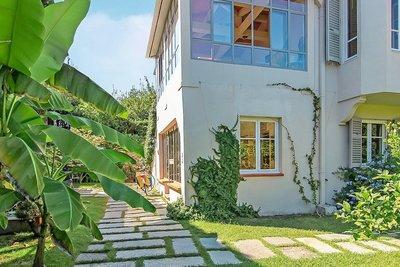 Maison à vendre à CAP D'ANTIBES  - 8 pièces - 165 m²