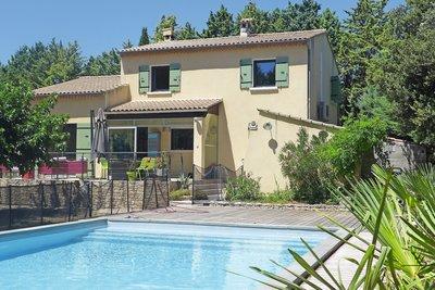 Maison à vendre à ST-PAUL-TROIS-CHÂTEAUX  - 6 pièces - 145 m²