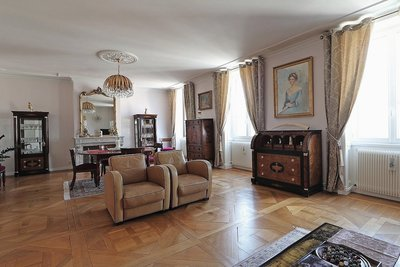 Apartment for sale in BORDEAUX  - 5 rooms - 203 m²