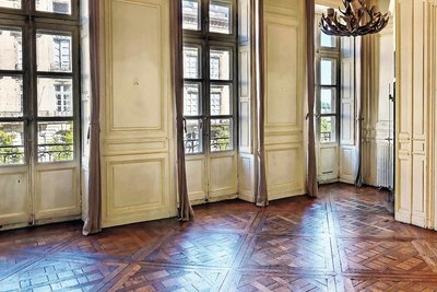 Apartment for sale in BORDEAUX  - 6 rooms - 125 m²