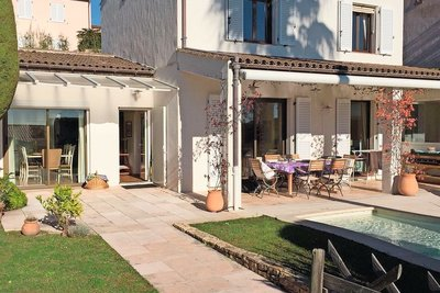 Maison à vendre à VILLENEUVE-LOUBET  - 6 pièces - 143 m²