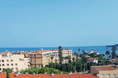 Apartment for sale in BEAULIEU-SUR-MER  - 5 rooms - 160 m²