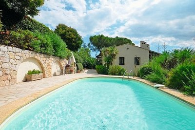 House for sale in ST-PAUL-DE-VENCE  - 5 rooms - 136 m²