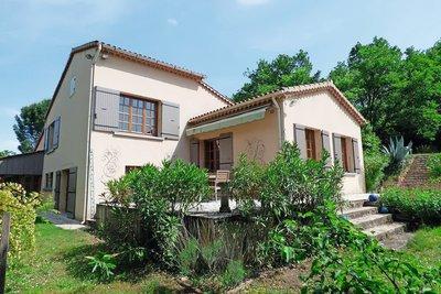 Maison à vendre à GRIGNAN  - 8 pièces - 230 m²