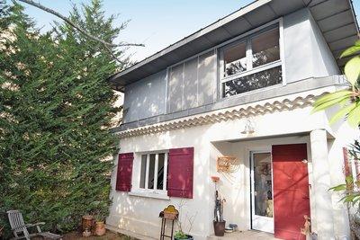 AIX-EN-PROVENCE - Maisons à vendre