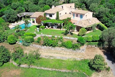 House for sale in GRASSE  - 7 rooms - 270 m²
