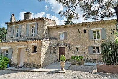 Maison à vendre à L'ISLE-SUR-LA-SORGUE  - 4 pièces - 200 m²
