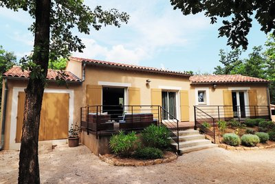 House for sale in ST-SATURNIN-LÈS-APT  - 4 rooms - 112 m²