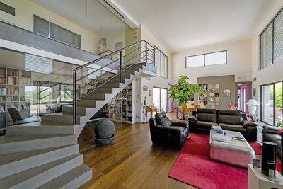 Maison à vendre à VILLEFRANCHE-SUR-SAÔNE  - 10 pièces - 350 m²