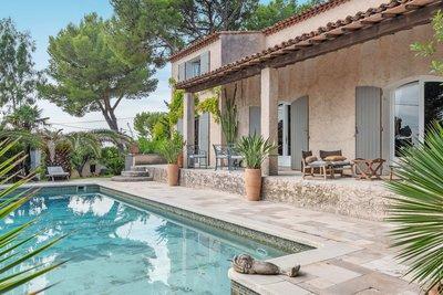 Maison à vendre à CARRY-LE-ROUET  - 7 pièces - 225 m²