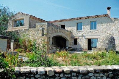 Maison à vendre à CABRIÈRES-D'AIGUES  - 8 pièces - 300 m²
