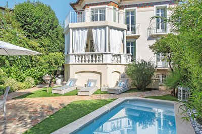 House for sale in CANNES  - 7 rooms - 240 m²