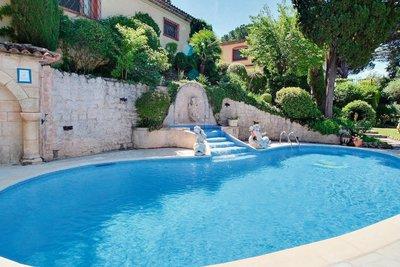 Maison à vendre à PÉGOMAS  - 10 pièces - 480 m²