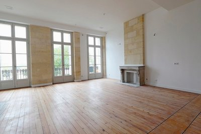 Apartment for sale in BORDEAUX  - 6 rooms - 155 m²
