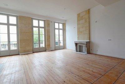 - 6 rooms - 155 m²