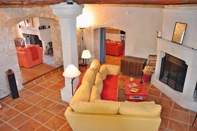 Maison à vendre à ST-ANDIOL  - 9 pièces - 300 m²
