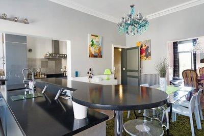- 7 rooms - 213 m²