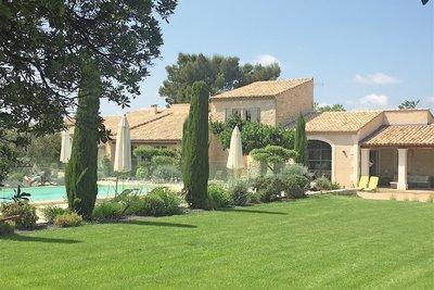Maison à vendre à ST-RÉMY-DE-PROVENCE  - 8 pièces - 330 m²