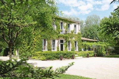 Maison à vendre à CAVAILLON  - 13 pièces - 330 m²