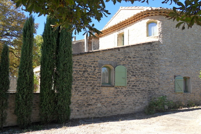 Maisons à vendre à St-Saturnin-lès-Apt