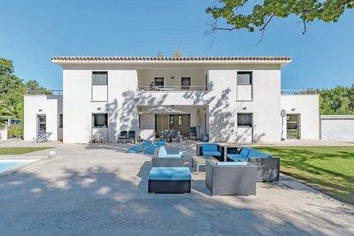 - 6 rooms - 280 m²