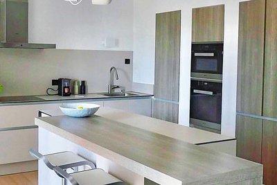 Maison à vendre à EGUILLES  - 6 pièces - 180 m²