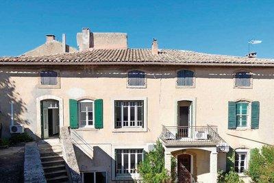 Maison à vendre à SUZE LA ROUSSE  - 7 pièces - 344 m²