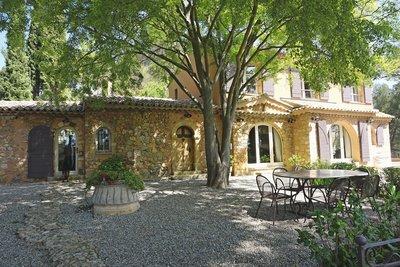 Maison à vendre à LE THOLONET  - 5 pièces - 200 m²