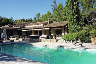 Maison à vendre à AIX-EN-PROVENCE   - 450 m²