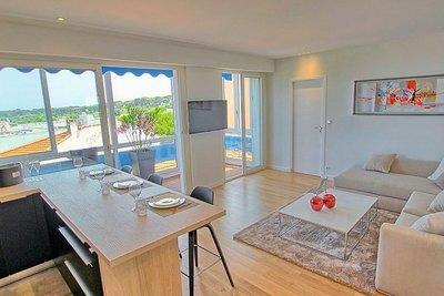 Appartement à vendre à CAP D'ANTIBES  - 3 pièces - 54 m²