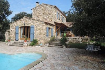 Maison à vendre à UZÈS  - 7 pièces - 160 m²