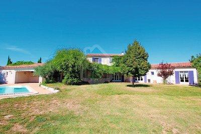 Maison à vendre à ORANGE  - 6 pièces - 200 m²
