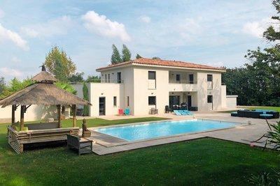 - 10 pièces - 280 m²