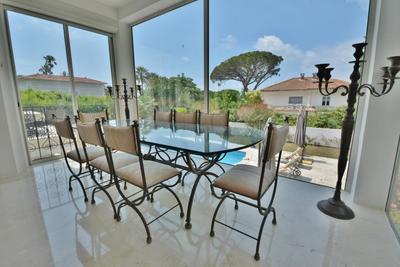Maison à vendre à CAP D'ANTIBES  - 7 pièces - 300 m²