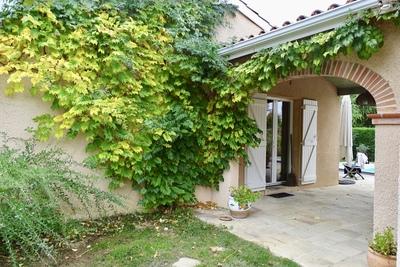 Maison à vendre à L ISLE JOURDAIN  - 6 pièces - 140 m²