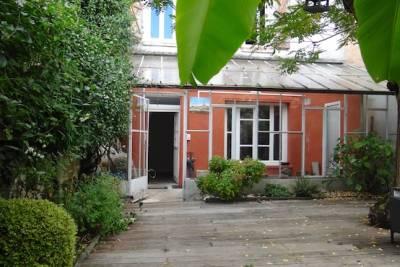 Maison à vendre à LOMBEZ  - 8 pièces - 200 m²