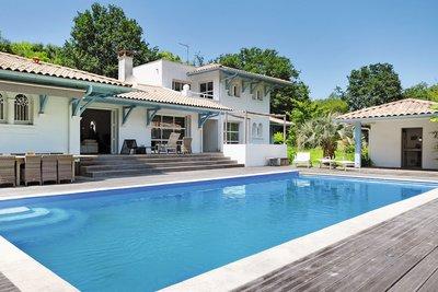 - 6 rooms - 210 m²