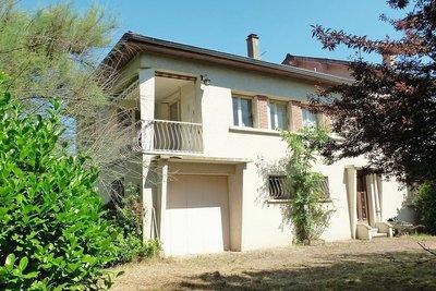 Maisons à vendre à St Uze