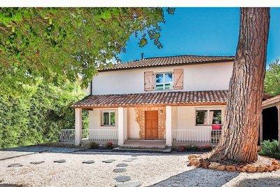 Maison à vendre à ANTIBES  - 6 pièces - 200 m²