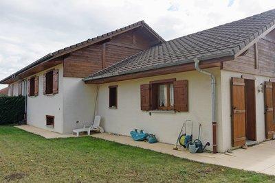Maison à vendre à ST-GENIS-POUILLY  - 6 pièces - 125 m²