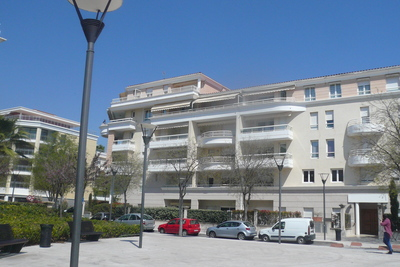 Appartement à louer à CAGNES-SUR-MER  - 3 pièces - 72 m²