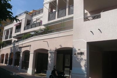Appartement à louer à MANDELIEU-LA-NAPOULE  - Studio - 27 m²