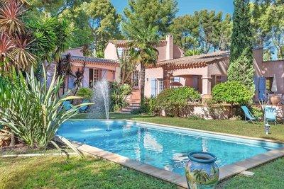 Maison à vendre à LA CIOTAT  - 7 pièces - 207 m²