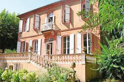 House for sale in VILLEFRANCHE DE LAURAGAIS  - 12 rooms - 330 m²